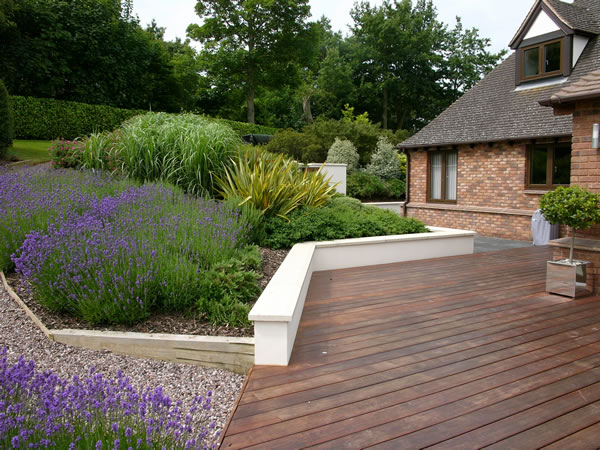 Dka garden design photo gallery contemporary rural garden for Split level garden decking